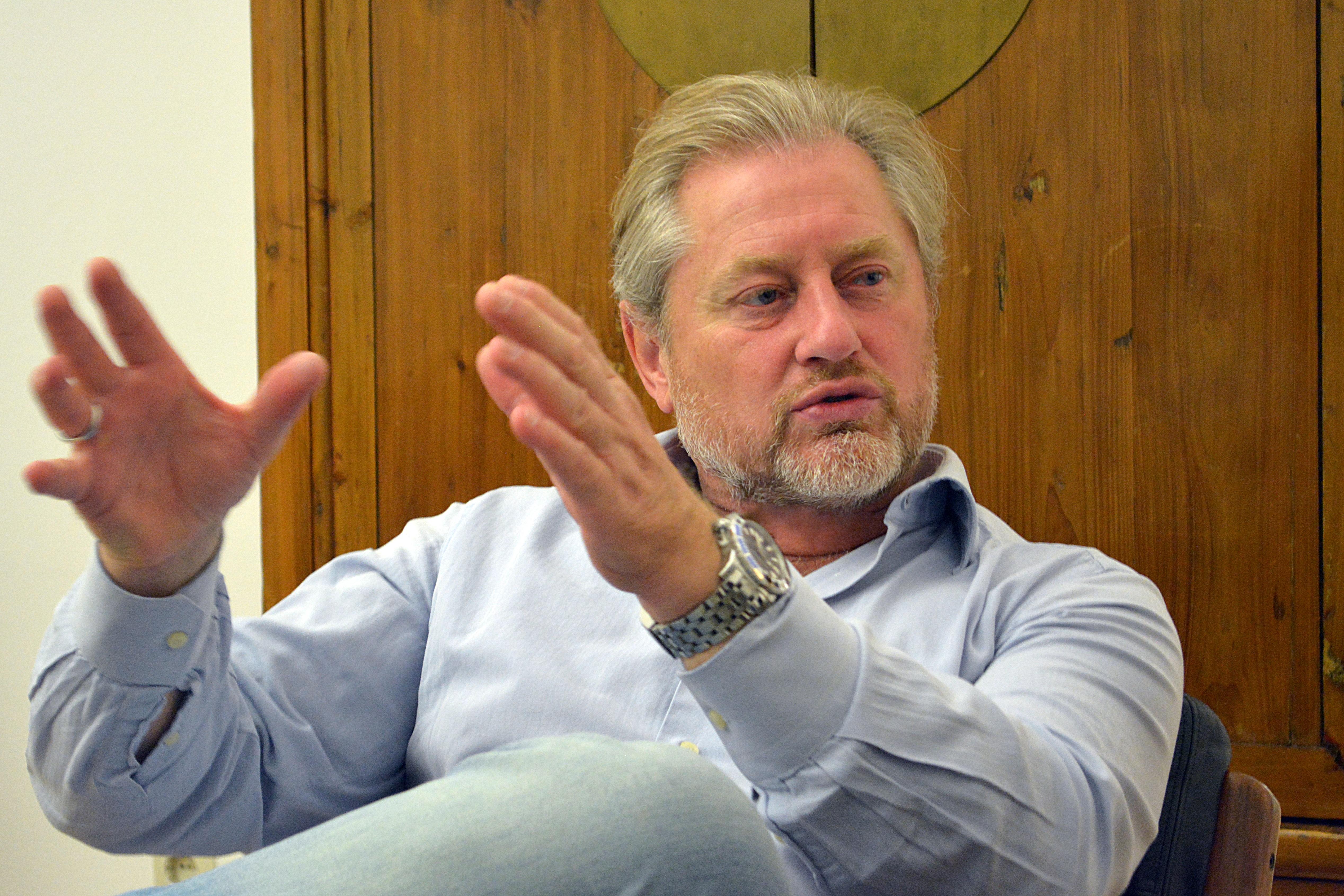 Hencke Stefan CEO Convensis