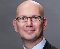 Portrait von Norbert Minwegen; Leiter Zentralbereich Unternehmenskommunikation und Werbung; Sparkasse KölnBonn; Hahnenstraße 57, 50667 Köln; Telefon: 0221 226-52190; Fax: 0221 226-452190; E-Mail: norbert.minwegen@sparkasse-koelnbonn.de